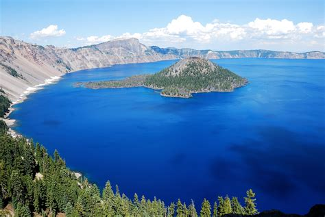 Crater Lake, Oregon | Crater Lake is known to be the