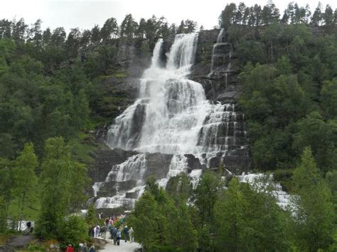 Tvinde Waterfall - a breathtaking waterfall - Picture of