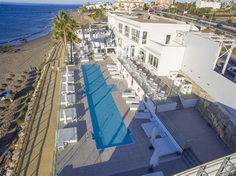 REFORMS AND EXPANSION OF MAX BEACH CLUB - Aryon