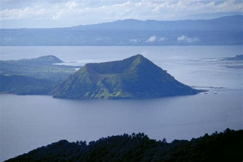 Taal Lake Images - Lake of Philippine - XciteFun