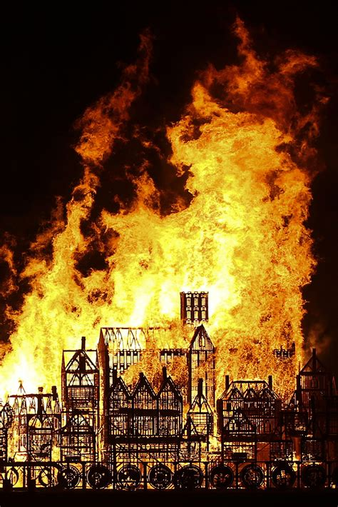 Great Fire of London: Giant replica of 17th century London