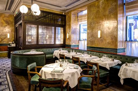Ivy Market Grill for pre-theatre in Covent Garden   London