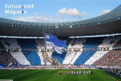 """Foto: Hertha BSC, Supporters in """"Ostkurve"""", Olympic"""