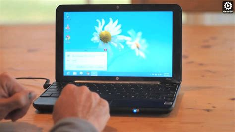 How To: Windows 8 NetBook Screen Resolution Fix - YouTube
