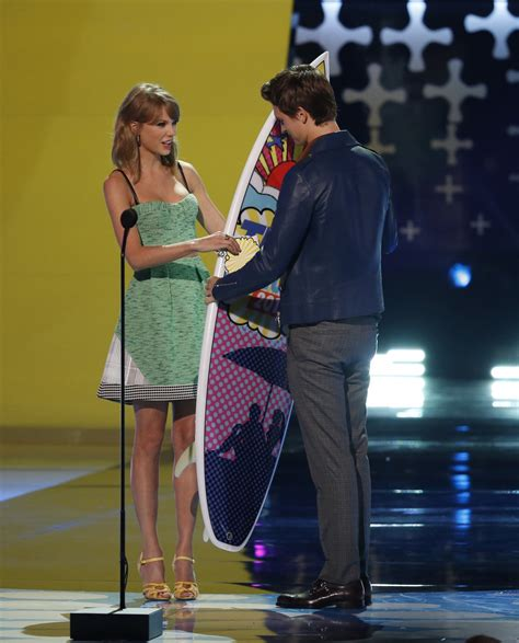 Should Taylor Swift Date Ansel Elgort? Her Body Language