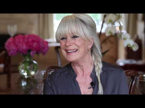 Yanni: The Rarity of His Relationship with Linda Evans