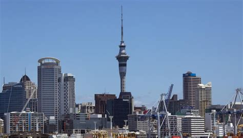 How much wind could knock the Sky Tower over? | Newshub