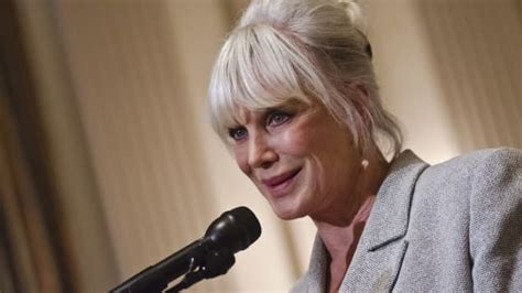'Dynasty': Where is Linda Evans today?