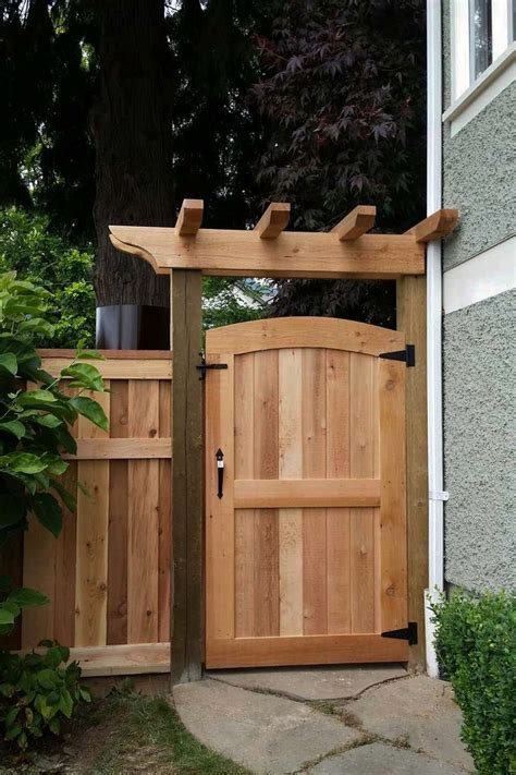 Modern Fence Ideas for Your Backyard   Privacy fence